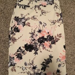 Dresses & Skirts - Cream color floral pencil skirt
